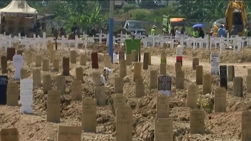 อินโดนีเซียยอดตายโควิดทุบสถิติ หวั่นรัฐคลายล็อกยิ่งหนัก