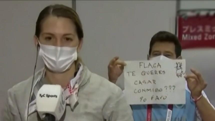 คนนี้ชนะ! นักฟันดาบสาวอาร์เจนตินา ไม่ได้เหรียญโอลิมปิก แต่ได้เซอร์ไพรส์ขอแต่งงาน