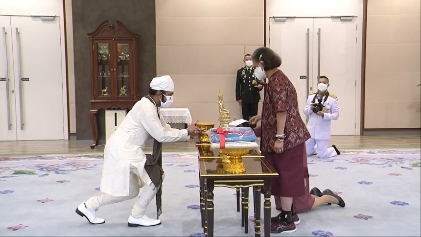 กรมสมเด็จพระเทพฯ พระราชทานพระราชวโรกาส ให้ คณะบุคคลเฝ้าทูลละอองพระบาท